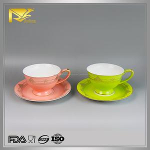 Céramique set 2 classique jetables tasses à thé poignée et soucoupe pour promotion