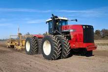 Scraper Tractor- 485 Hp Buhler Versatile