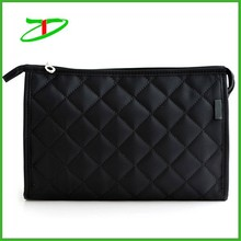 Wholesale cosmetic bag portable nylon diamond quilted makeup organizer with mirror inserted