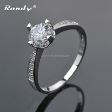 Latest Wedding Designs Diamond Engagement Ring with CZ Crystal Stones Designs