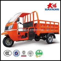 Semi-closed Tricycle 200cc Cargo tricycle adult driving cabin 3 wheel motorcycle with cabin