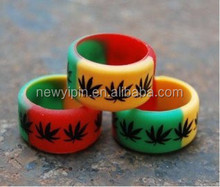 2015 Loving silicone rubber finger ring with embossed yourself logo