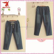 Фирменные джинсы фотография полный джинсы женщин ролик