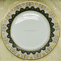 Royal style of porcelain dinnerware set in porcelain or bone china