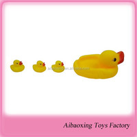 2015 cute vinyl toy for kid can be promotional gift- duck toy