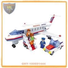 Construcción bloques serie avión con personas