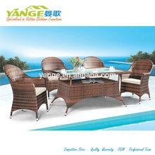 Con sillas mesas yg-8010 adjunta