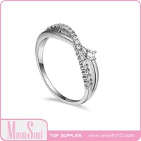 Moonsoul Luxury 18K Gold plating Cross Curve Top quality Cubic Zirconia Sparkling Women Rings 2 Colors 15R10005