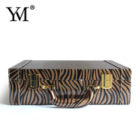 Wholesale fashional customized beauty leather hard side cosmetic case