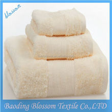Blossom high-grade100%cotton white hotel towel with lucky bird embroidered