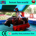 Toro inflable/inflable mechanical bull/juego inflable