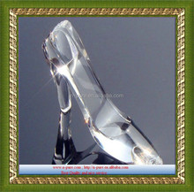 Antique crystal glass shoes model for wedding gifts