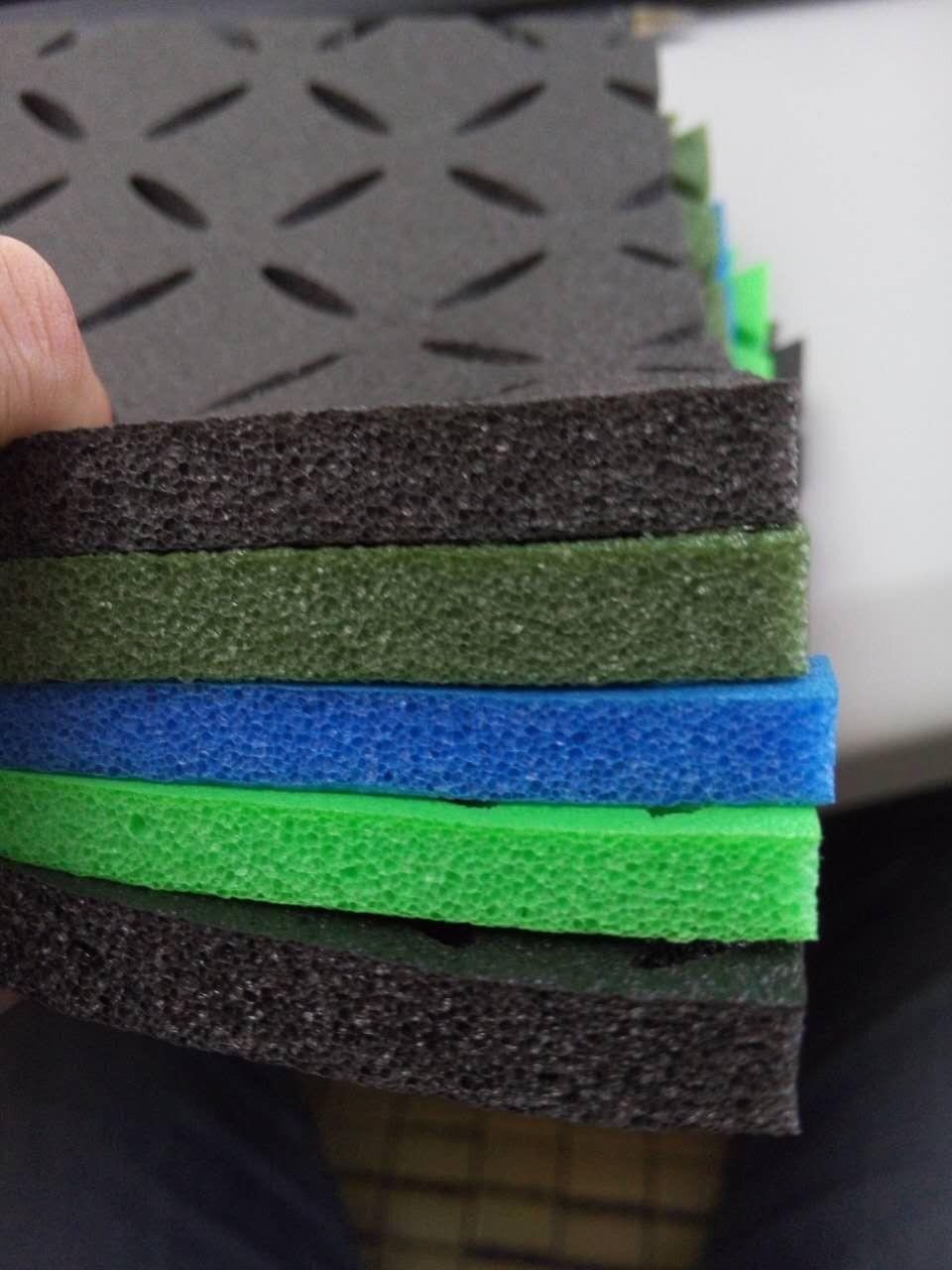 antid rapant en caoutchouc tapis de sol tapis tuile pour enfants aire de jeux gym rev tements de. Black Bedroom Furniture Sets. Home Design Ideas