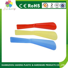 Top selling products 2015 long plastic shoe horn,shipping from china
