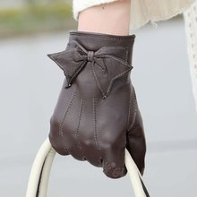 Ladies genuine winter gloves leather goods