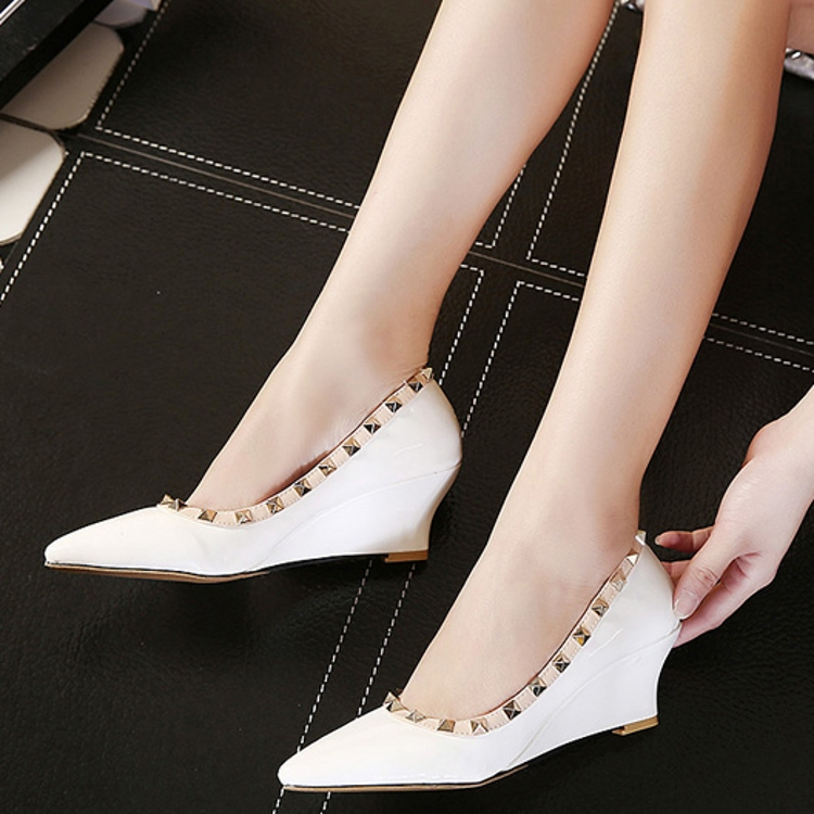 Beautiful Some Have Speculated That The Decline In Sales Of High Heels May Also Be Linked To The MeToo Era And Reports Of Sexual Harassment, As Women Choose To Dress For Themselves Rather Than Being Sexually