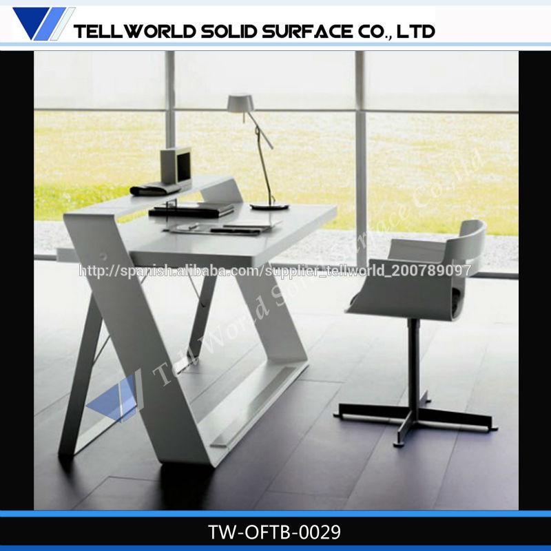 diseño de escritorio de oficina muebles Okamura elegante forma y diseño de lujo