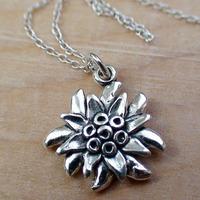 German Drindle Flower Necklaces Oktoberfest Trachten Edelweiss Necklace