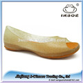 zuecos de zapatos de las mujeres