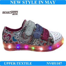 Latest fashion canvas athletic shoes for girls /running shoes with shinning lights for children