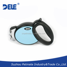 Wholesale dog products retractable dog leash for dogs up to 44lbs