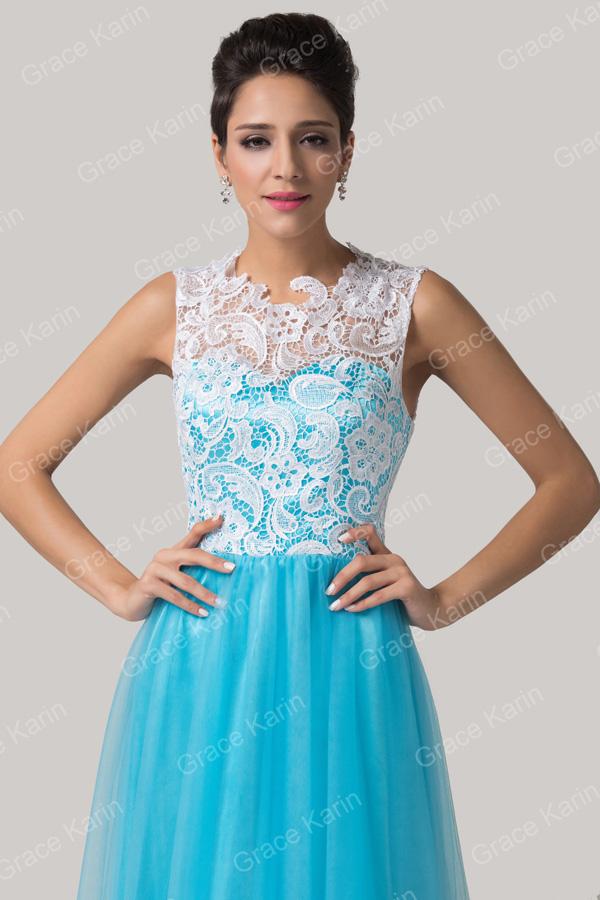 Vestido azul com renda branca