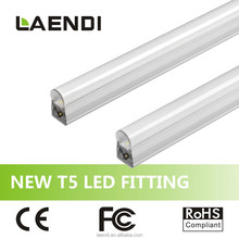 Convenient and Useful Install easily Low price T5 LED Fitting No dark area when connect together