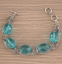The latest fashion trend of high quality blue acrylic jewelry chain bracelet