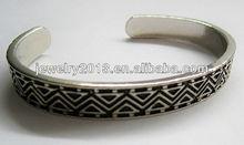 venta al por mayor de moda accesorios para el pelo de la aleación de plata de la galjanoplastia con el triángulo negro oildrop