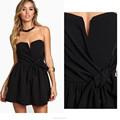 La alta calidad del hombro pecho relleno negro partido corto vestido para la señora