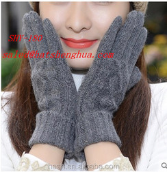 Fashionable thick customized design good quality knitted cable unisex winter fleece lined gloves