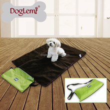 2015 Popular High Qulity Pet Food Mat Waterproof Pet Cooling Mat
