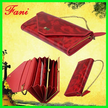 Wholesale ladies fashion clutch PU leather wallet with chain design and convenient to take