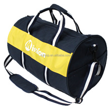Canvas duffle bag for traveling