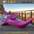muebles de color, mesa y silla de los muebles