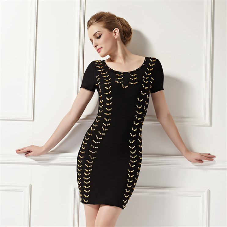 Senhoras elegantes de uma peça black dress for party