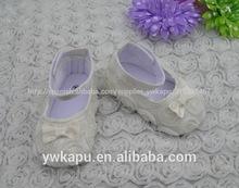 divertido al por mayor zapatos de bebé de roseta de suela suave zapatos de bebé para la venta