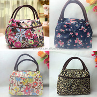 Yiwu factory Korean big fancy floral zipper tote style outdoor use keep food box cute lunch bag