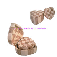 Pine Wooden Heart Shape Box With Hinged Lid YIXING3612