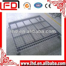 Large capacity powder coated plate pallet with four steel vertical uprights