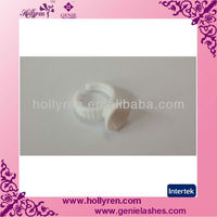 Glue ring for eyelash extensions