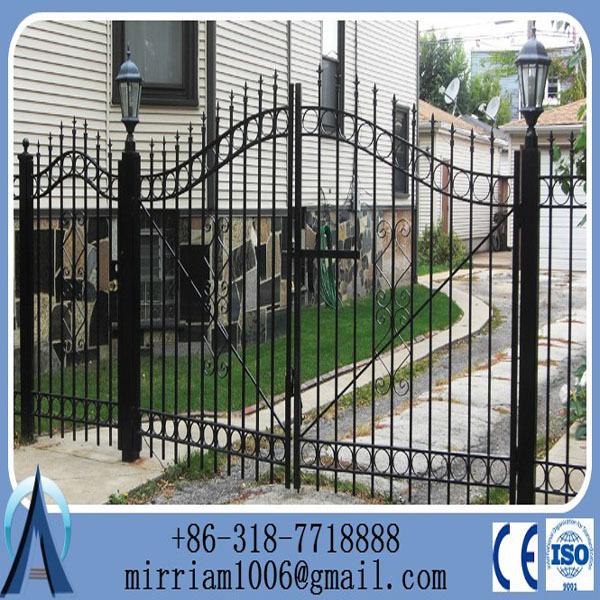 Puertas de hierro forjado para jardin puertas de hierro for Puertas para jardin baratas
