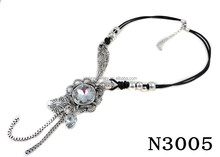 N3005Fashion crystal pendant with Tassle Necklace