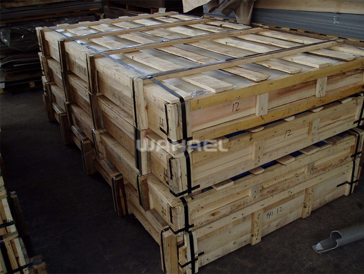 HPL laminate container loading1  (4)