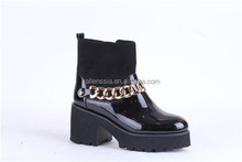 middle heel black color women fashionable shoes pumps with decoration chain