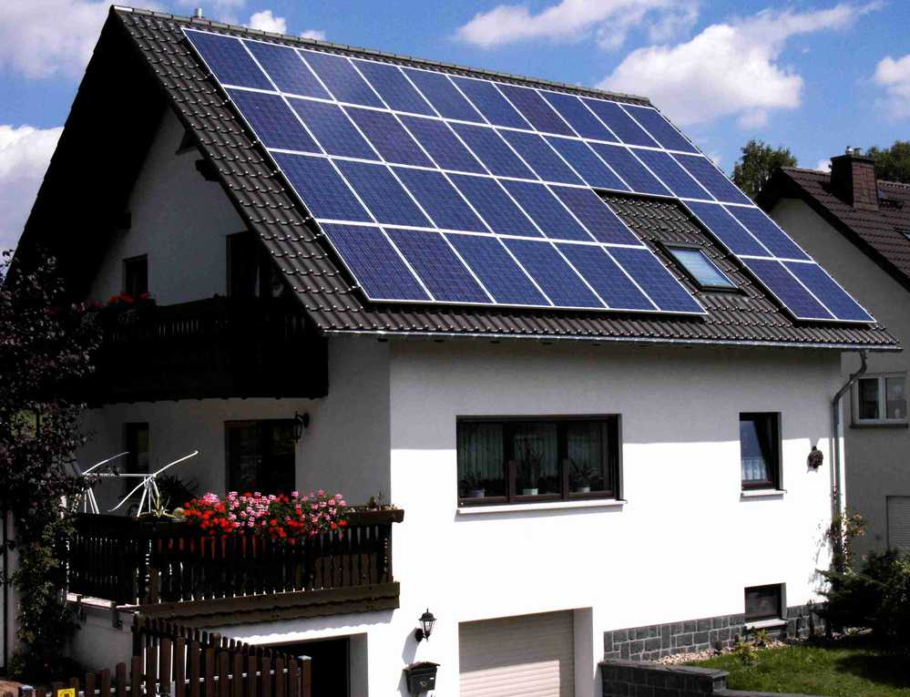 Solar panels with built in inverters mppt solar charge for Panel built homes