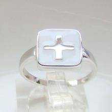 anillo de plata de la manera, anillos de resina de rodio chapado joyas transversales para las mujeres