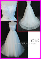 2014 guangzhou real princess strapless feather ball wedding gowns/bridal dresses with beading motif belt/sash V0119