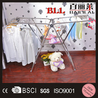 wing shape metal roll up extendable hanging clothes drying rack