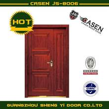 sencilla de madera grande-pequeña puerta